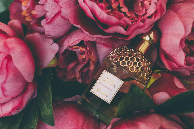 Melyik parfümöt válaszd? Édes, vagy citrusos? Két titok a cikkben!