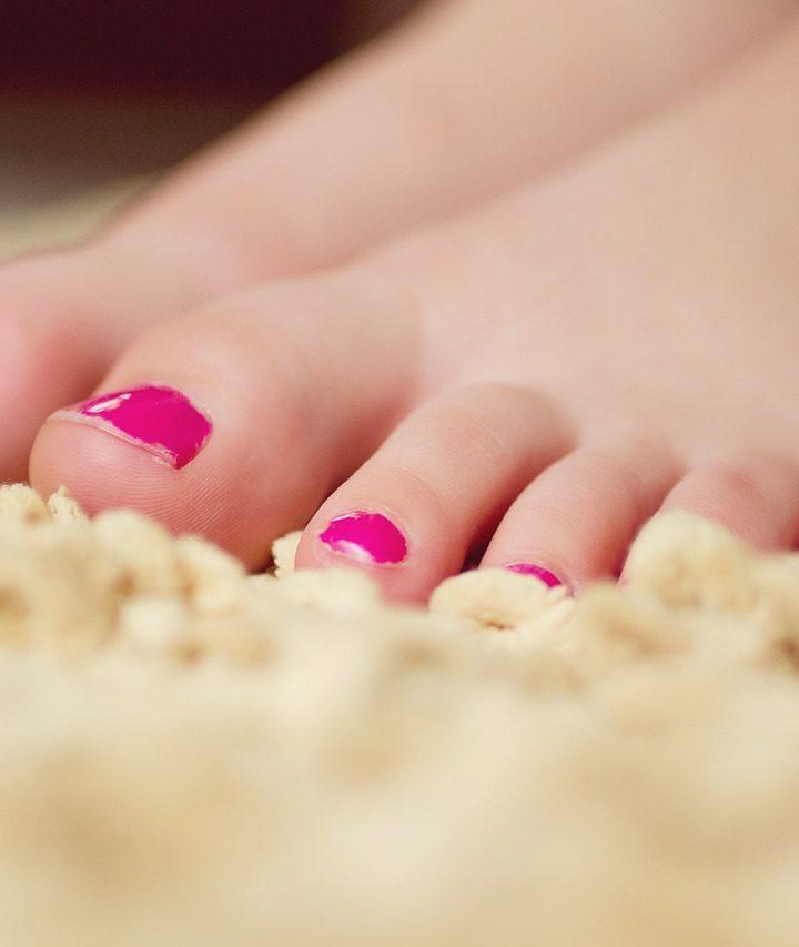 Nem reménytelen: Így szedd ki a szőnyegből a körömlakkot!