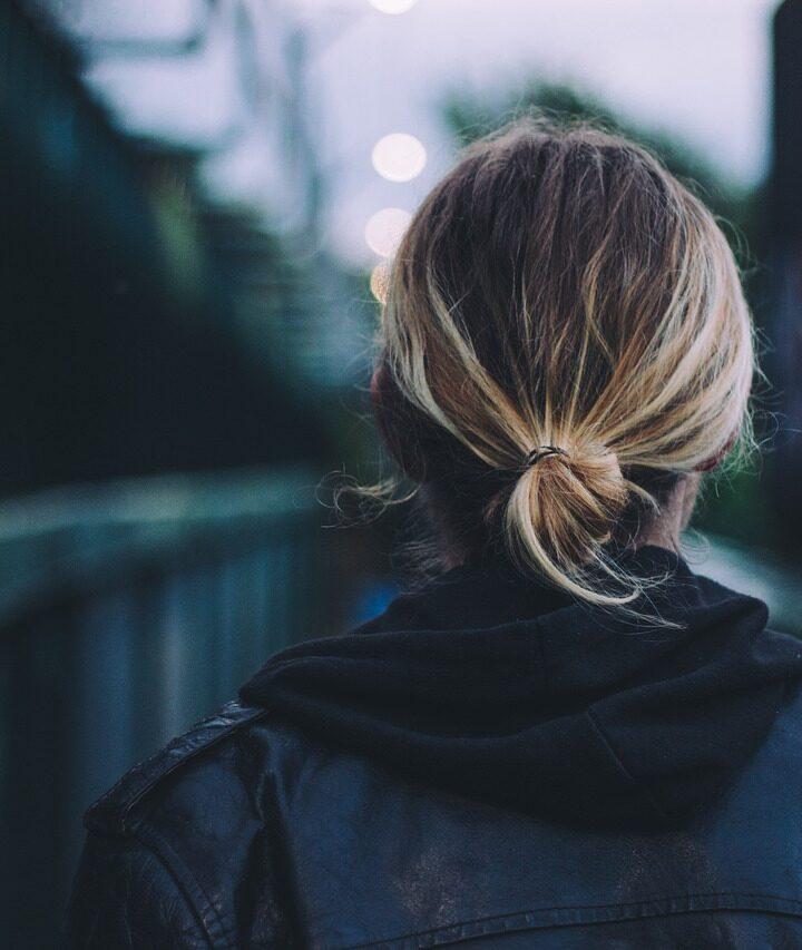Ha vékonyszálú hajjal születtél, ezekkel a természetes módszerekkel megerősítheted a hajszálaidat!